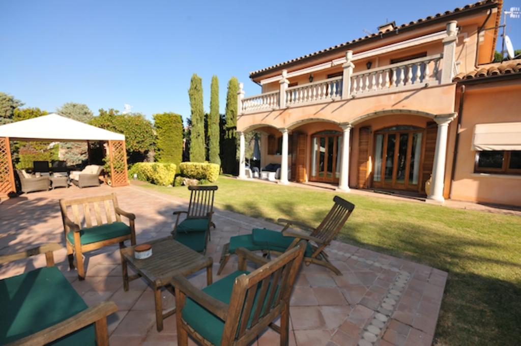 Villa de lujo mansion espa a barcelona caldes d 39 39 estrac for Villas de lujo en madrid